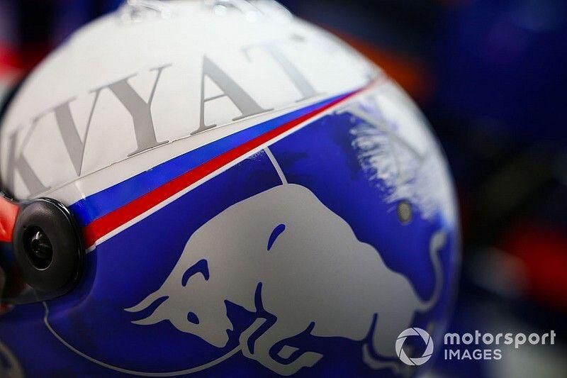 """Kvyat contra la FIA: """"Hay cosas más importantes que el diseño de un casco"""""""