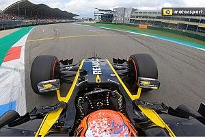 Een ronde onboard over het TT Circuit met de Renault F1 RS17