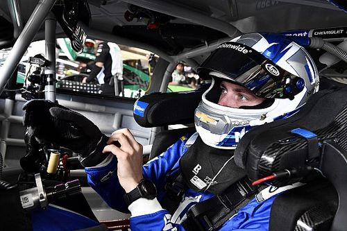 """Alex Bowman """"moving forward"""" after run-in with Bubba Wallace"""