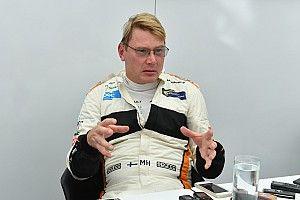 "Hakkinen: Ferrari tem que ""esquecer"" ordens de equipe se quiser bater Mercedes"