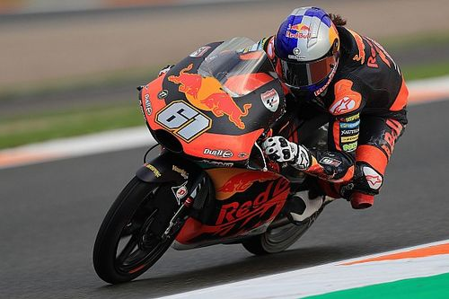Moto3バレンシア決勝:15歳のオンジュが史上最年少優勝! 佐々木12位