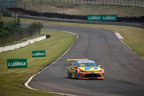 Stock Car: Camilo faz volta voadora em Curitiba e conquista pole position