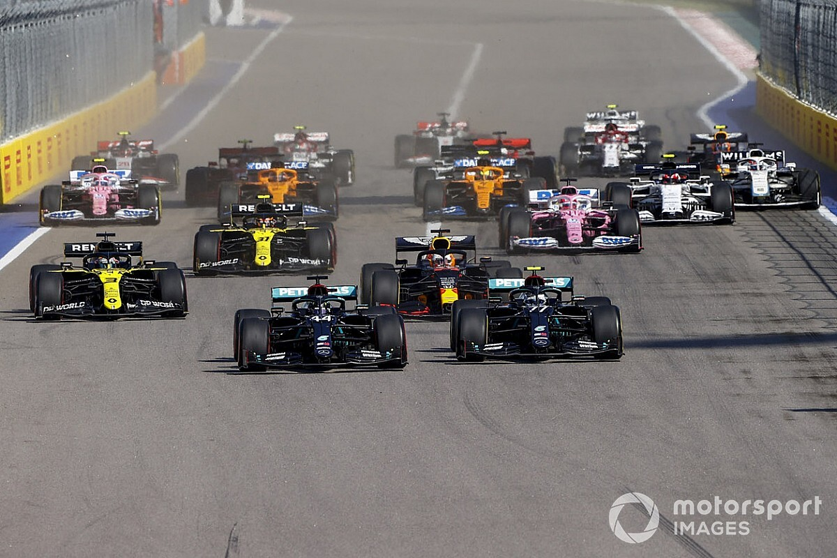 """Bottas says """"massive bee"""" thwarted first-lap pass attempt"""