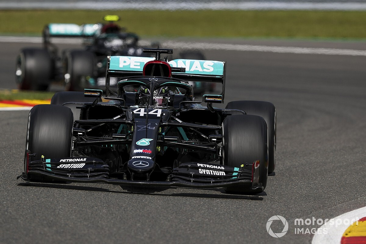 "Hamilton was ""nervous"" about repeat of tyre failure"