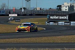 Stock Car: Camilo faz grande exibição e vence corrida 2 de Curitiba