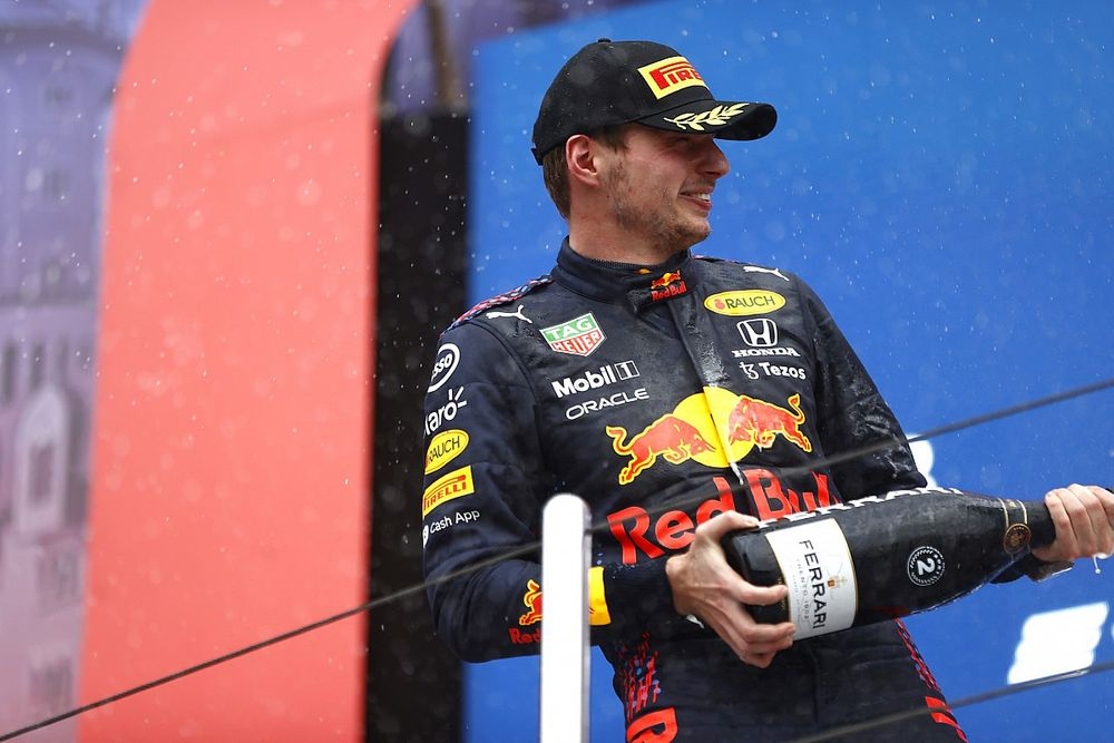 "Red Bull: ""Verstappen'in podyumu, bir galibiyet gibi"""