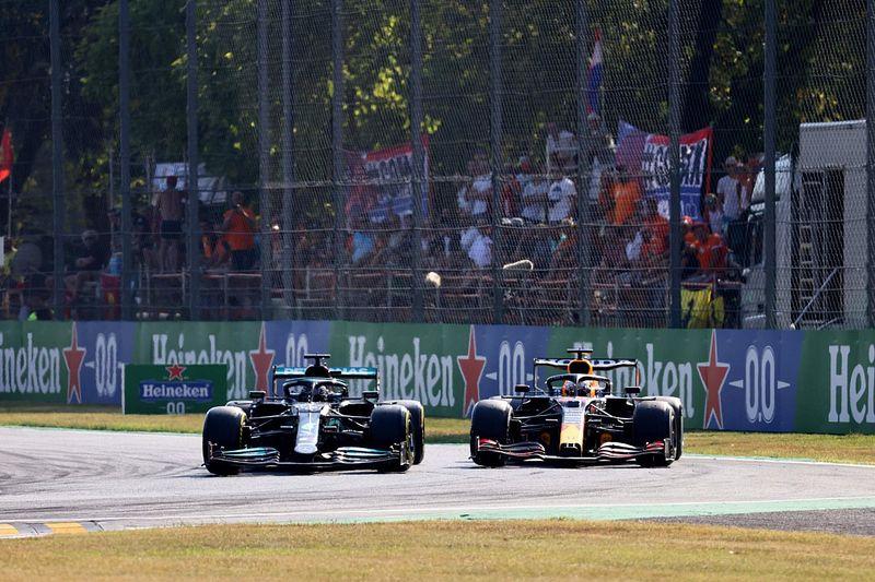 Stefano Domenicali: Hamilton vs Verstappen Salah Satu Duel Terbaik F1