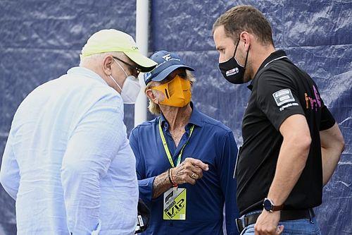 Emerson Fittipaldi Sebut Kalender Formula 1 2022 'Gila'
