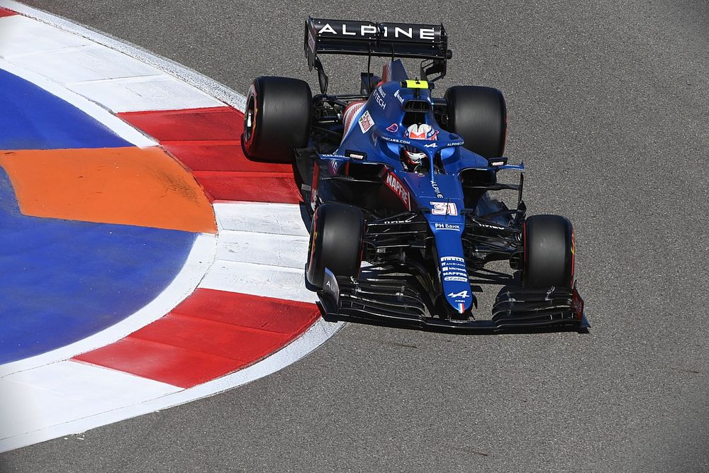 Ocon: Alpine puzzled by car pace differences