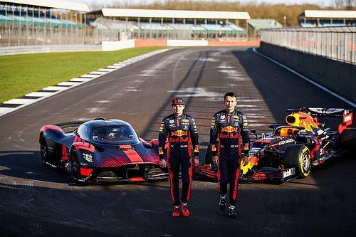 "VIDEO: Verstappen test Aston Martin Valkyrie: ""Geschifte wagen"""