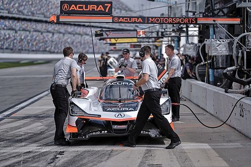 Acuras move to the top in sixth Daytona practice