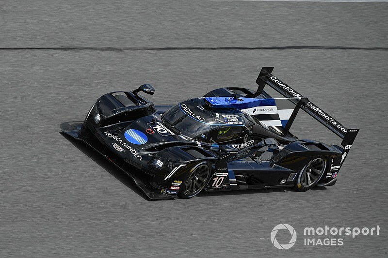 Kobayashi puts WTR Cadillac on top in final Roar practice