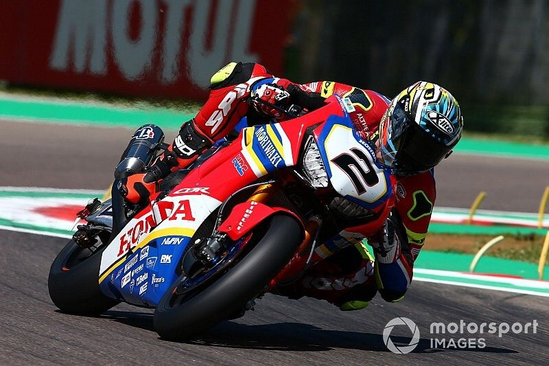 Leon Camier torna a correre a Magny-Cours