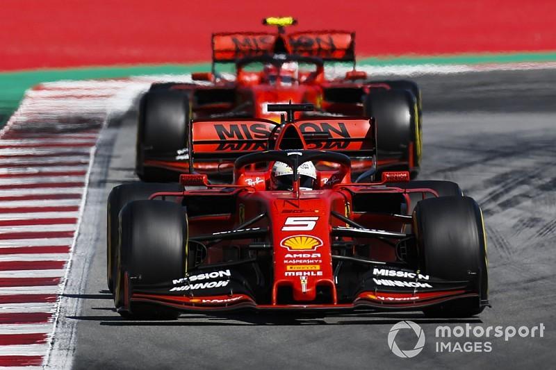 Две Ferrari стали лучшими на второй тренировке в Монреале, Хэмилтон проехал всего 7 кругов