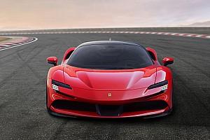 Ferrari SF90 Stradale: supercarro híbrido plug-in surge com 1.000 cv