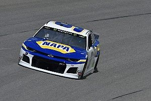 Chase Elliott runs down Harvick for Stage 2 win at Kansas