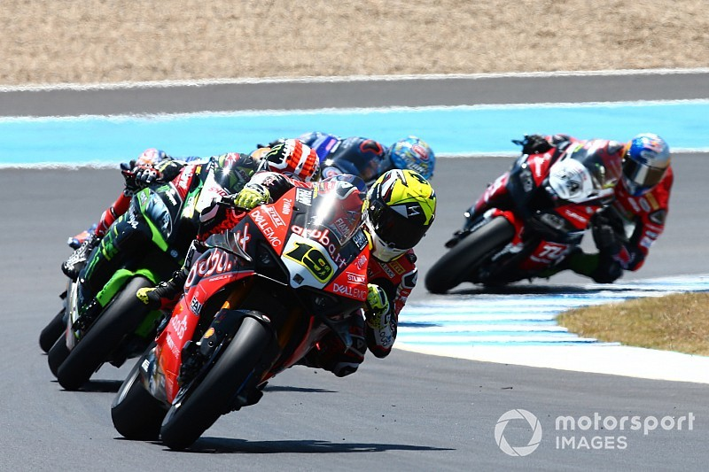 Is the World Superbike title slipping from Bautista?