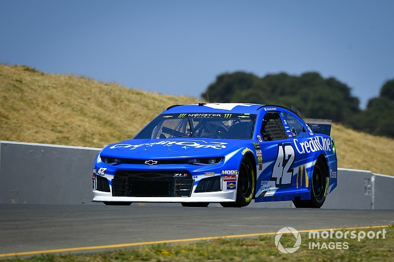 Kyle Larson takes third straight pole at Sonoma Cup race