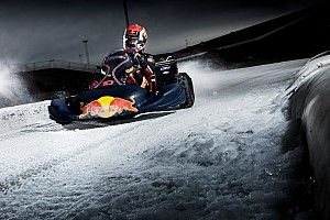 Képeken is a Red Bull jég-gokartos csapatása