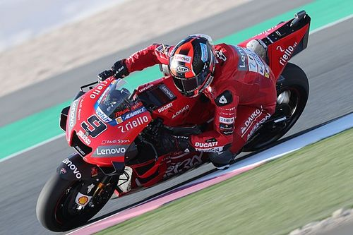 Petrucci topt warm-up in Qatar, Rossi elfde