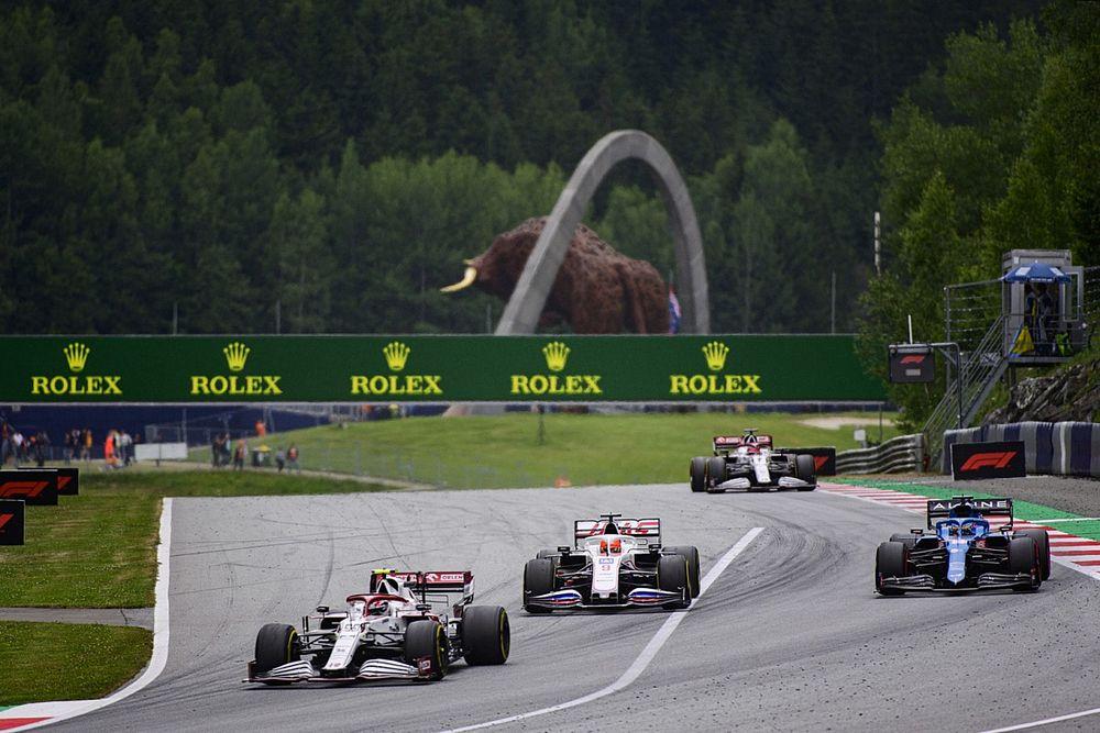 F1レースディレクター、レッドブル・リンクのターン9~10での過度なスロー走行を取り締まり