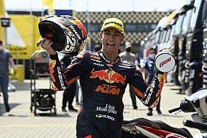 KTM completes 2022 MotoGP line-up with rookie sensation Fernandez