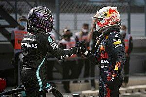 Hamilton perfetto, Verstappen paga tre piccoli errori