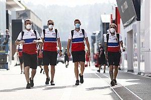 Босс McLaren: Формуле 1 пора смягчить коронавирусные протоколы