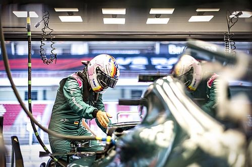 Vettel goudeerlijk: Ben niet snel genoeg voor de strijd om punten
