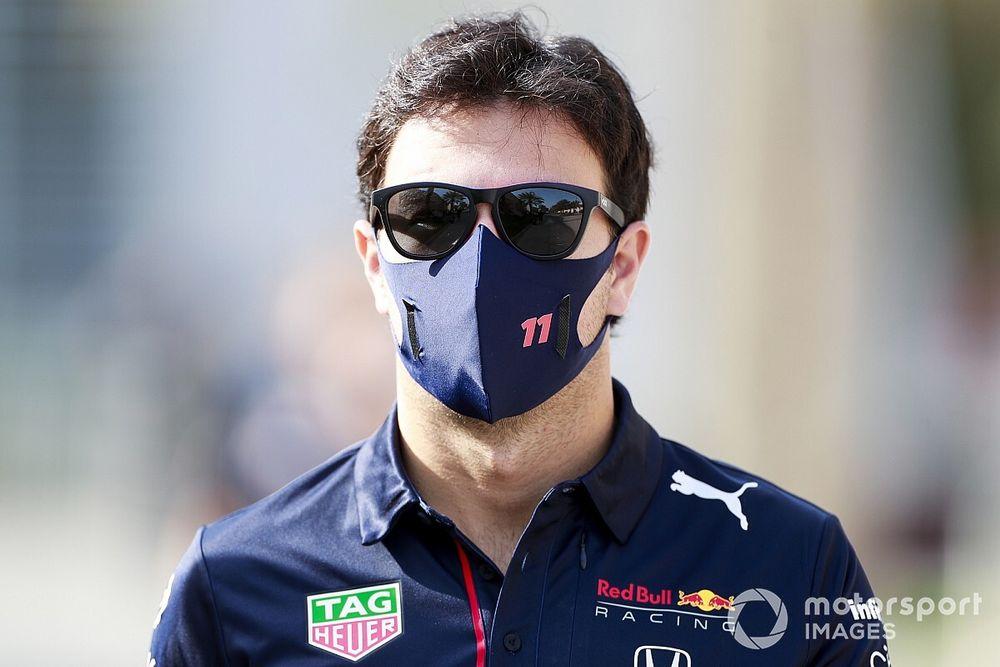 F1: Pérez e Sainz tomam vacina contra a Covid-19 no Bahrein