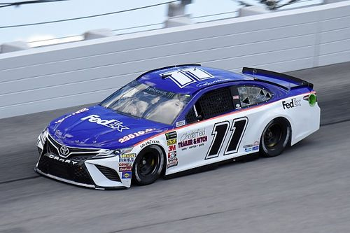 Denny Hamlin beats Kyle Larson for Southern 500 pole at Darlington