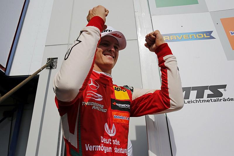 EK F3 Nürburgring: Schumacher wint en klimt naar tweede plek