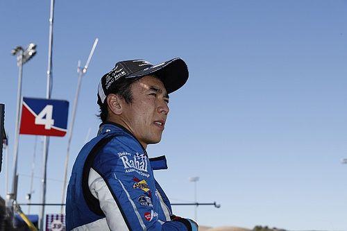 佐藤琢磨、初のオンラインレースは12位「バーチャルである以外は本物同様」