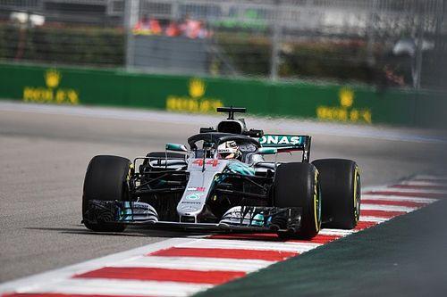 Hamilton rapste tijdens tweede training in Rusland, Verstappen op P3