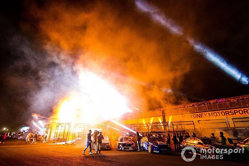 Supercars confirms Sydney night race plan