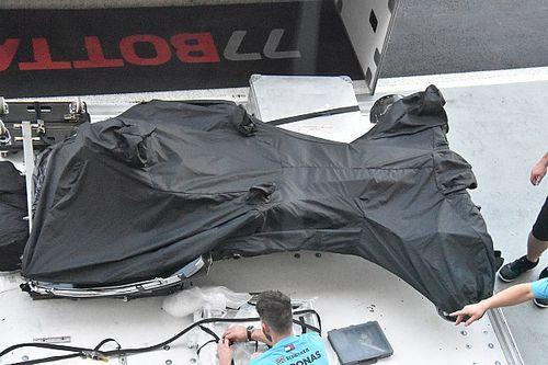Mercedes: dalle casse sono stati scaricati a Marina Bay i due telai nudi della W09