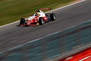 Enzo Fittipaldi centra il weekend perfetto e cala il tris in Gara 3 a Misano