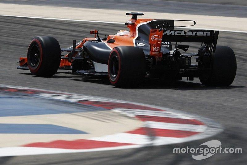 La F1 limitará el 'T wing' y las aletas de tiburón en 2018