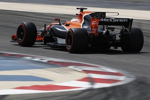 F1 impõe limites para asas 'T' e barbatanas em 2018