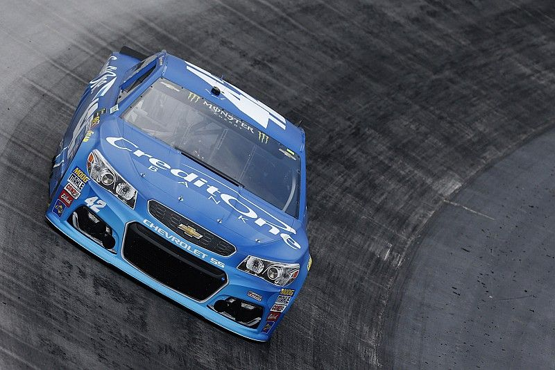 Kyle Larson wins first stage of Bristol Cup race