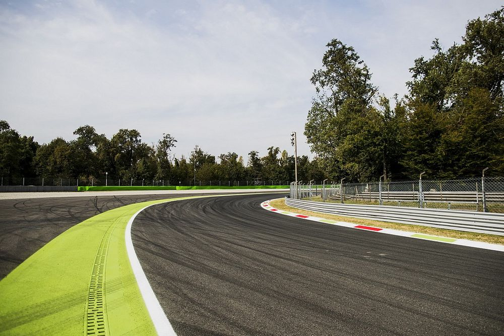 Monza hernoemt Parabolica naar Michele Alboreto