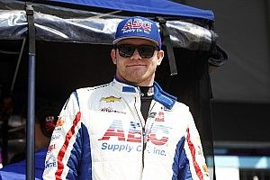 Daly dominates at Gateway but cut tires end test early