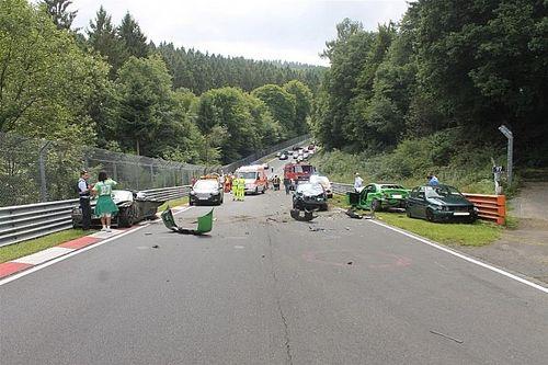 Acidente deixa dez feridos em Nürburgring-Nordschleife