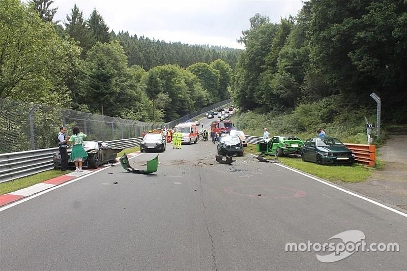 ニュルブルクリンク北コース一般開放で多重事故。10人が負傷