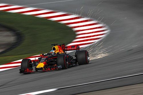 Риккардо: Mercedes будет осторожничать в гонке, и это даст нам шанс