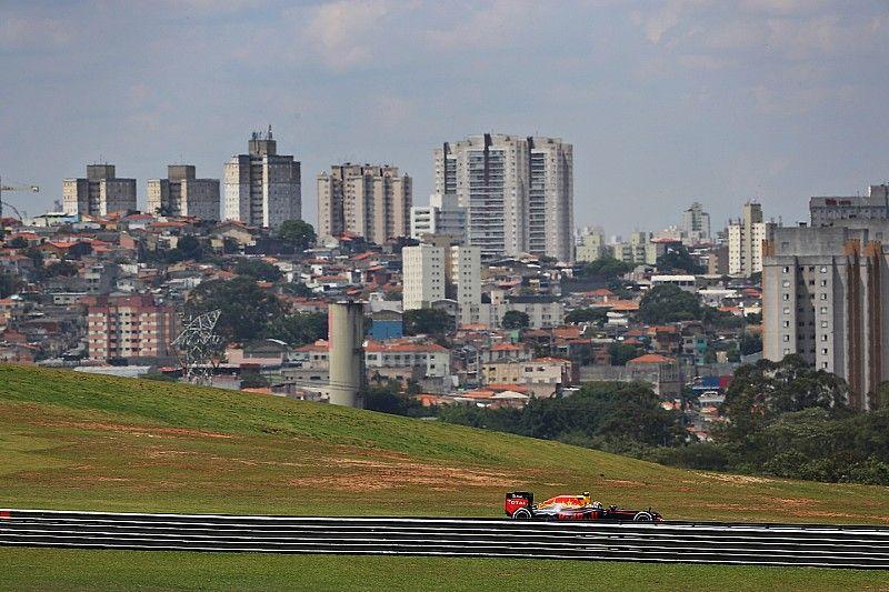 Ecclestone considering buying Interlagos F1 circuit