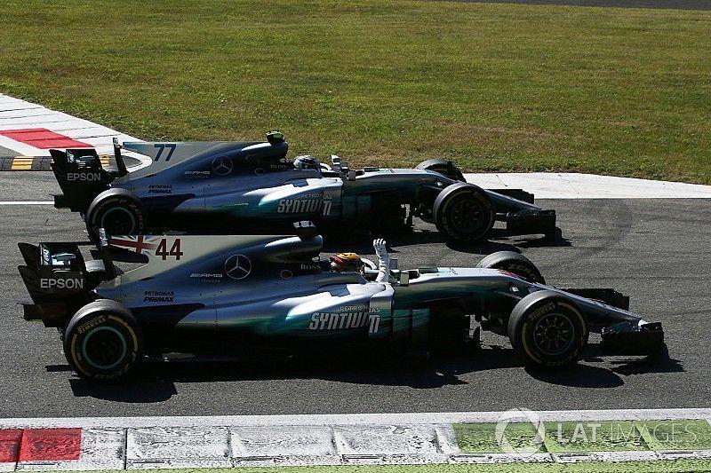 Mercedes: scopriamo cosa c'è dietro alla parata delle frecce d'argento