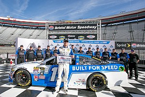 NASCAR Cup Qualifying report Carl Edwards secures second straight pole with Bristol flyer
