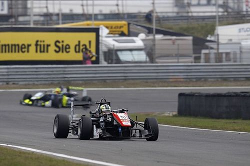 Masters of F3: Eriksson beats Ilott to win qualifying race