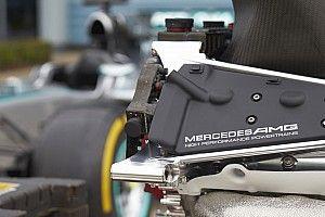 Слухи из паддока: Mercedes пришлось срочно снимать моторы со всех машин